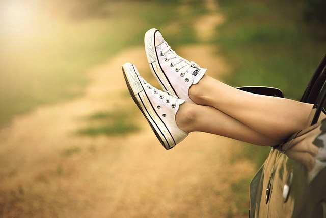 Anna-Roth-legs